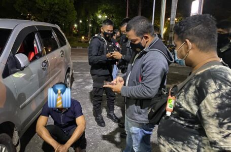 Pasangan Penyuka 'Lubang Kerut' Kepergok Polisi Asyik 'Indehoi'